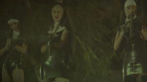 Καλόγριες με πολυβόλα Marilyn Manson